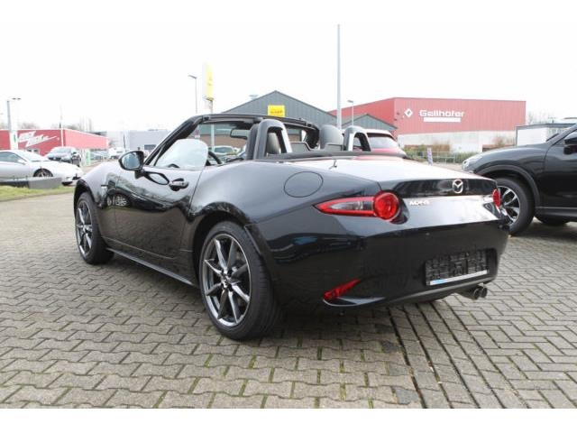 Left hand drive MAZDA MX 5 SKYACTIV-G 160 Exclusive-Line