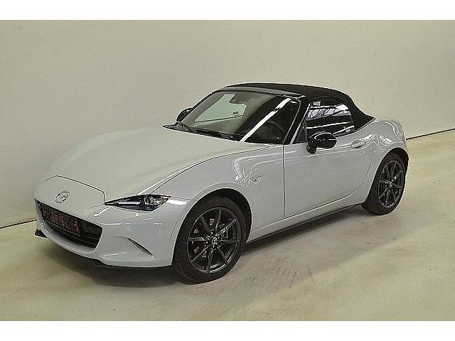 MAZDA MX 5 (01/2017) - white - lieu: