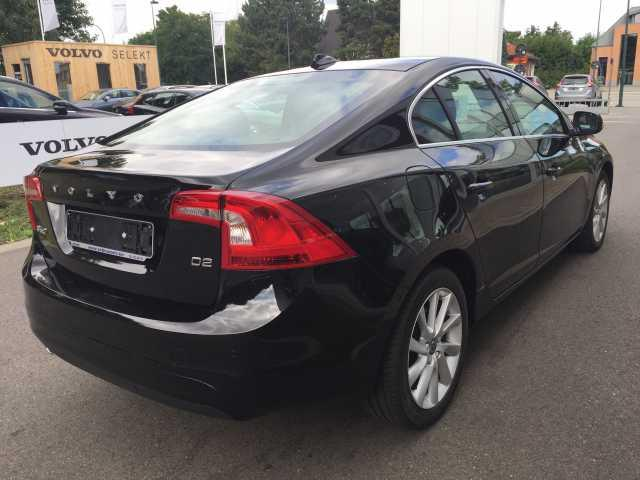 Left hand drive VOLVO S60 D2 Geartronic Summum
