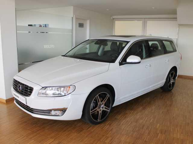 Left hand drive VOLVO V70  D4