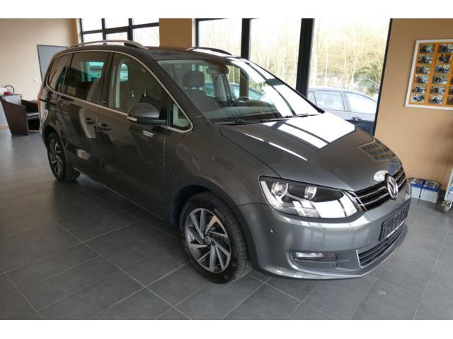 VOLKSWAGEN SHARAN (04/2017) - grey - lieu: