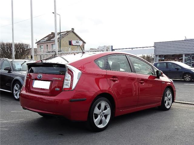 Lhd TOYOTA PRIUS (10/2015) - red - lieu: