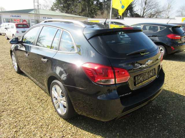 Left hand drive car CHEVROLET CRUZE (02/2014) - black - lieu: