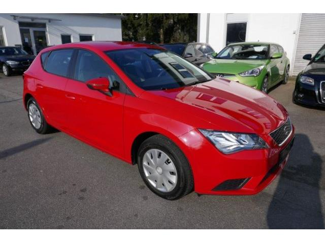 lhd SEAT LEON (04/2016) - red
