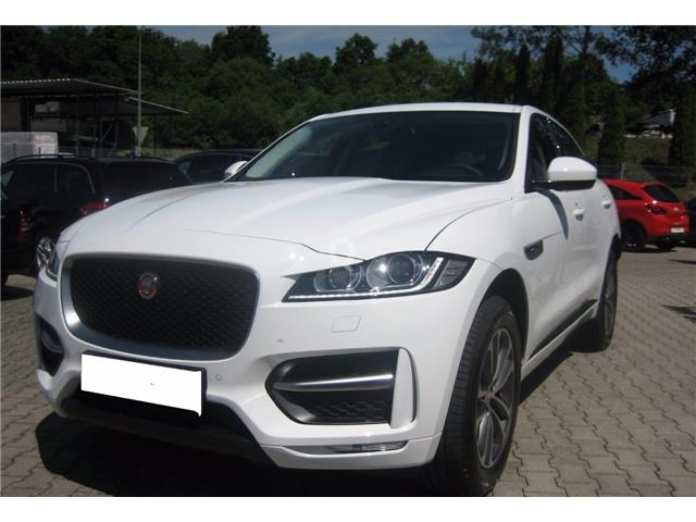 lhd car JAGUAR F-PACE (10/2016) - white - lieu: