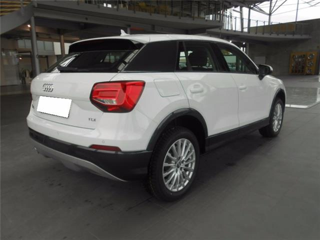 Left hand drive car AUDI Q2 (01/2017) - white - lieu: