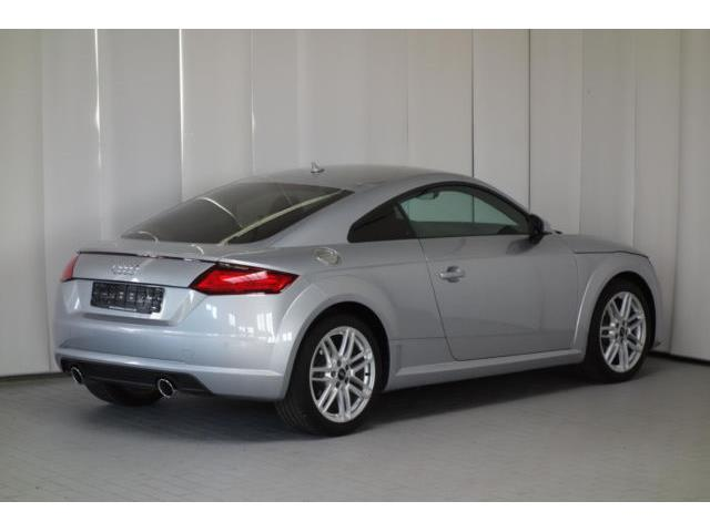 AUDI TT (03/2017) - silver - lieu: