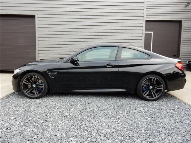 lhd car BMW M4 (08/2015) - black - lieu: