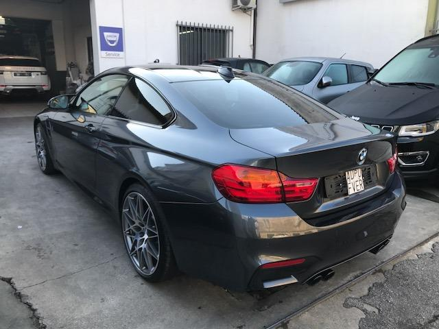 Left hand drive car BMW M4 (02/2017) - grey - lieu:
