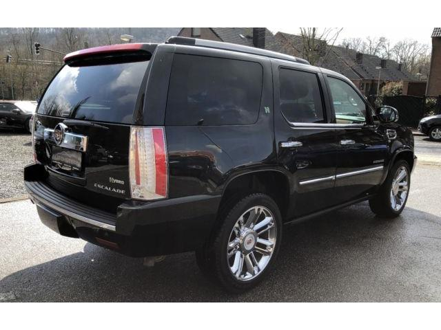 Left hand drive car CADILLAC ESCALADE (02/2015) - black - lieu: