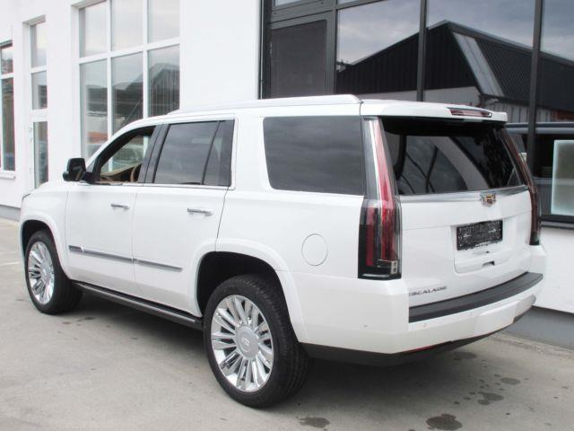 lhd car CADILLAC ESCALADE (02/2017) - white - lieu: