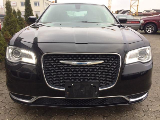 Left hand drive car CHRYSLER 300C (07/2015) - black - lieu: