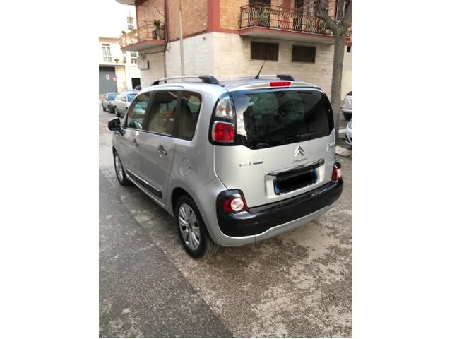 Left hand drive car CITROEN C3 PICASSO (08/2016) - grey - lieu: