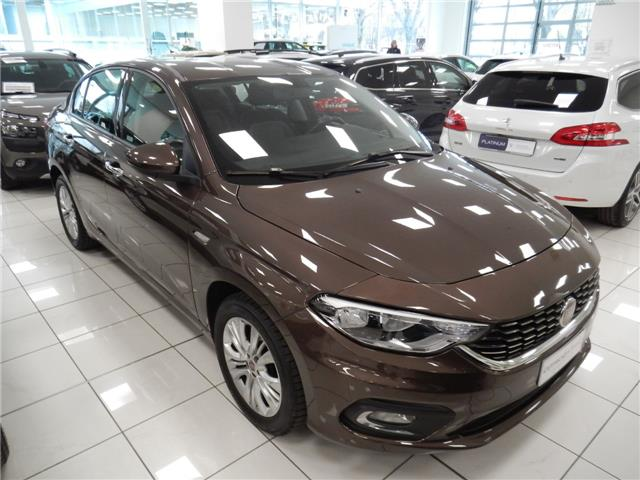 Lhd FIAT TIPO (05/2016) - brown - lieu: