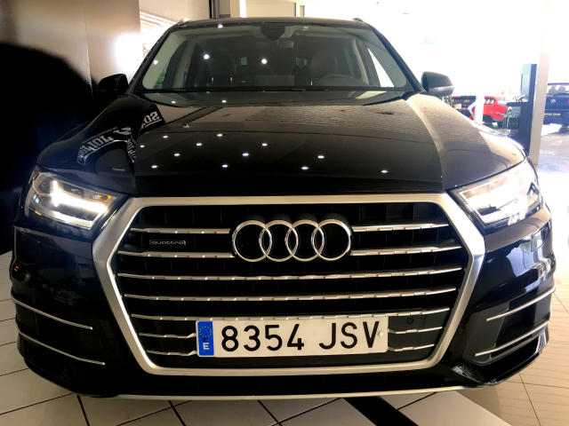 Left hand drive AUDI Q7 3.0 TIPTRONIC 7 SEATS SPANISH REG
