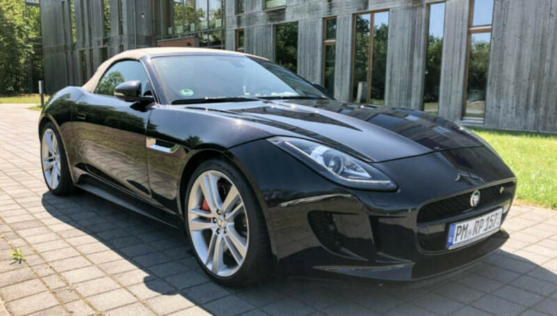 Left hand drive JAGUAR F TYPE  5.0 L V8 S Kompressor  495 HP