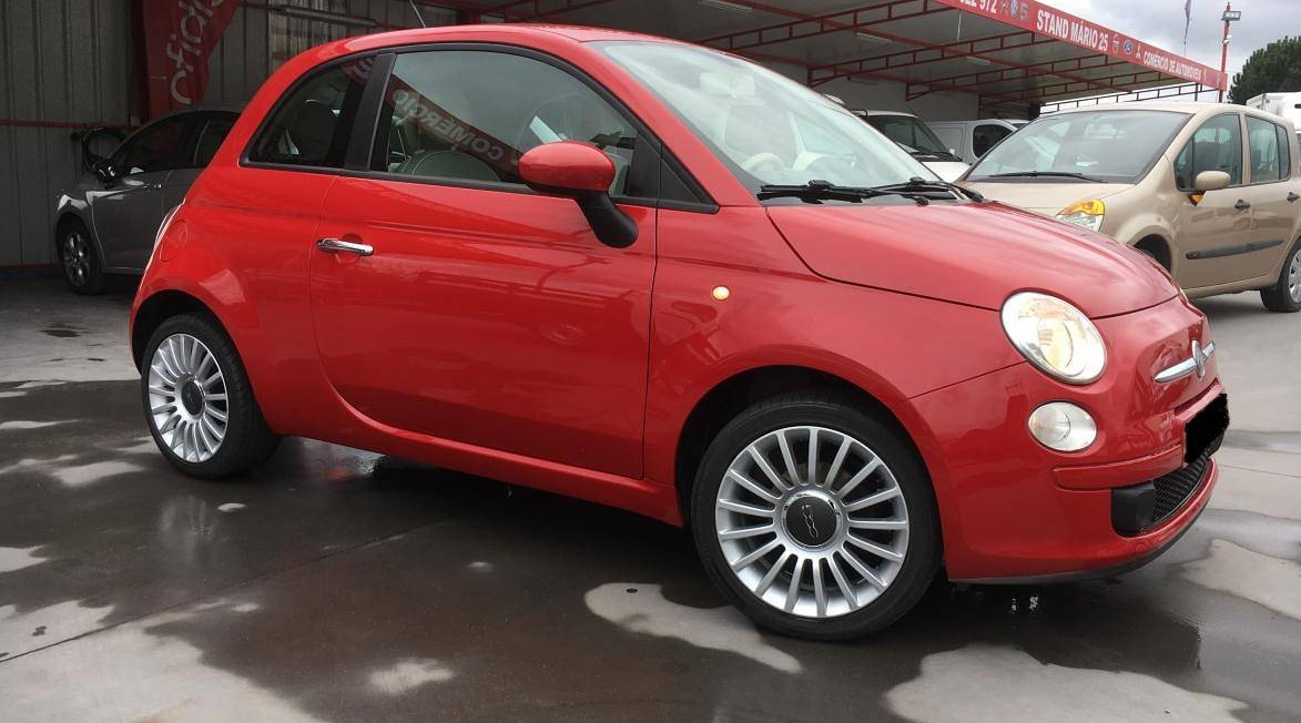 lhd FIAT 500 (04/2011) - RED - lieu: