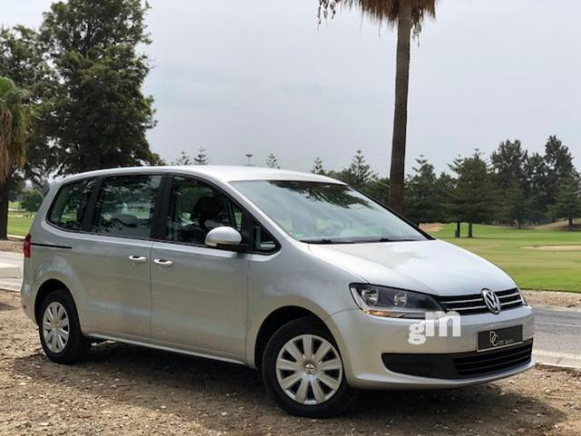 Left hand drive VOLKSWAGEN SHARAN Sharan 2.0TDI Advance BMT DSG 140 7 SEATS