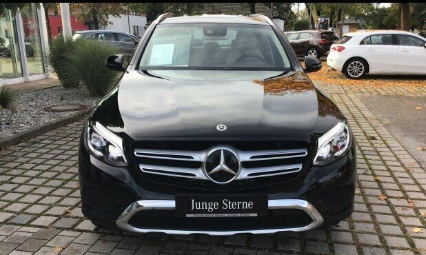 Left hand drive MERCEDES GLC  300 4MATIC EXCLUSIVE