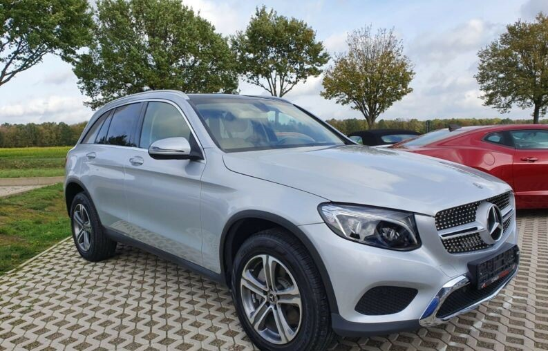 Left hand drive MERCEDES GLC 300 PANORAMIC ROOF