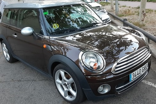 Left hand drive MINI CLUBMAN 1.6 SPANISH REG