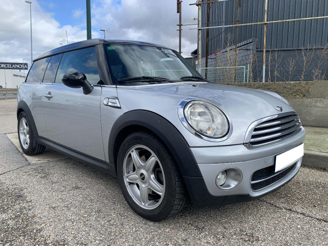 Left hand drive MINI CLUBMAN 1.6 D SPANISH REG