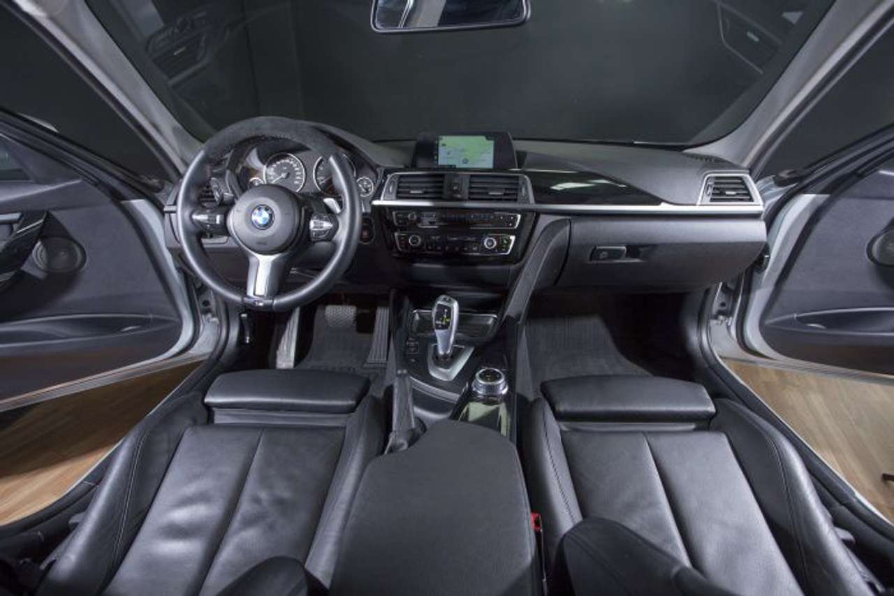 Left hand drive BMW 3 SERIES 318D SPANISH REG