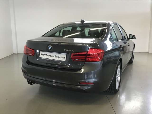 Left hand drive BMW 3 SERIES 320i SPANISH REG