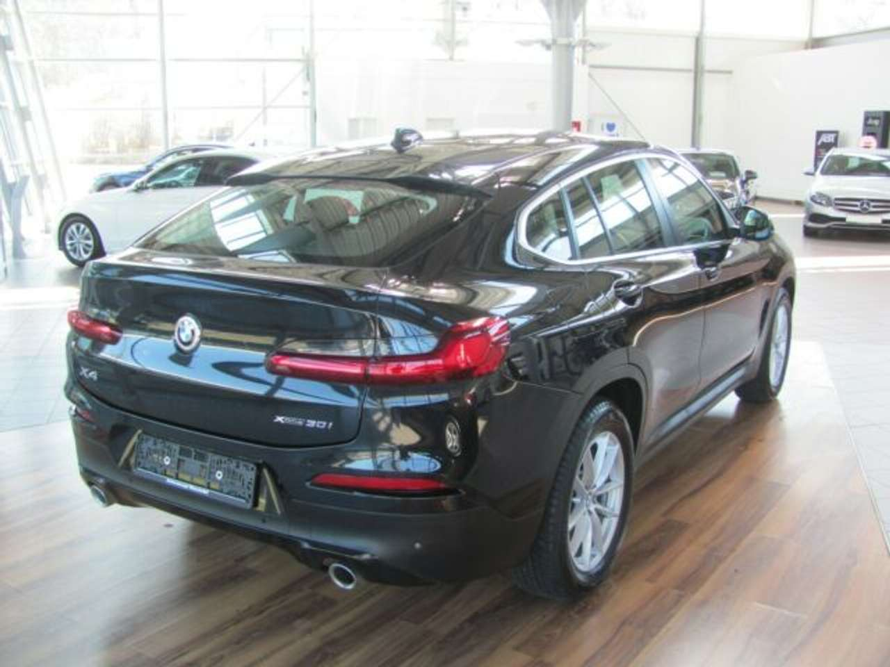 Left hand drive BMW X4 xDrive30i Advantage