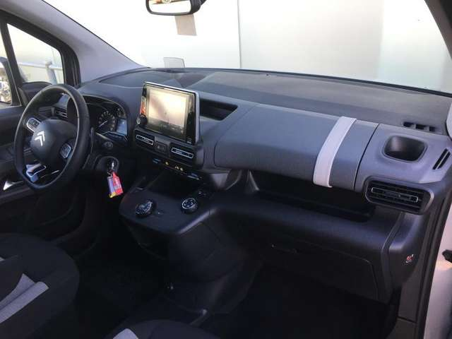 Left hand drive CITROEN BERLINGO IV Shine M Automatique