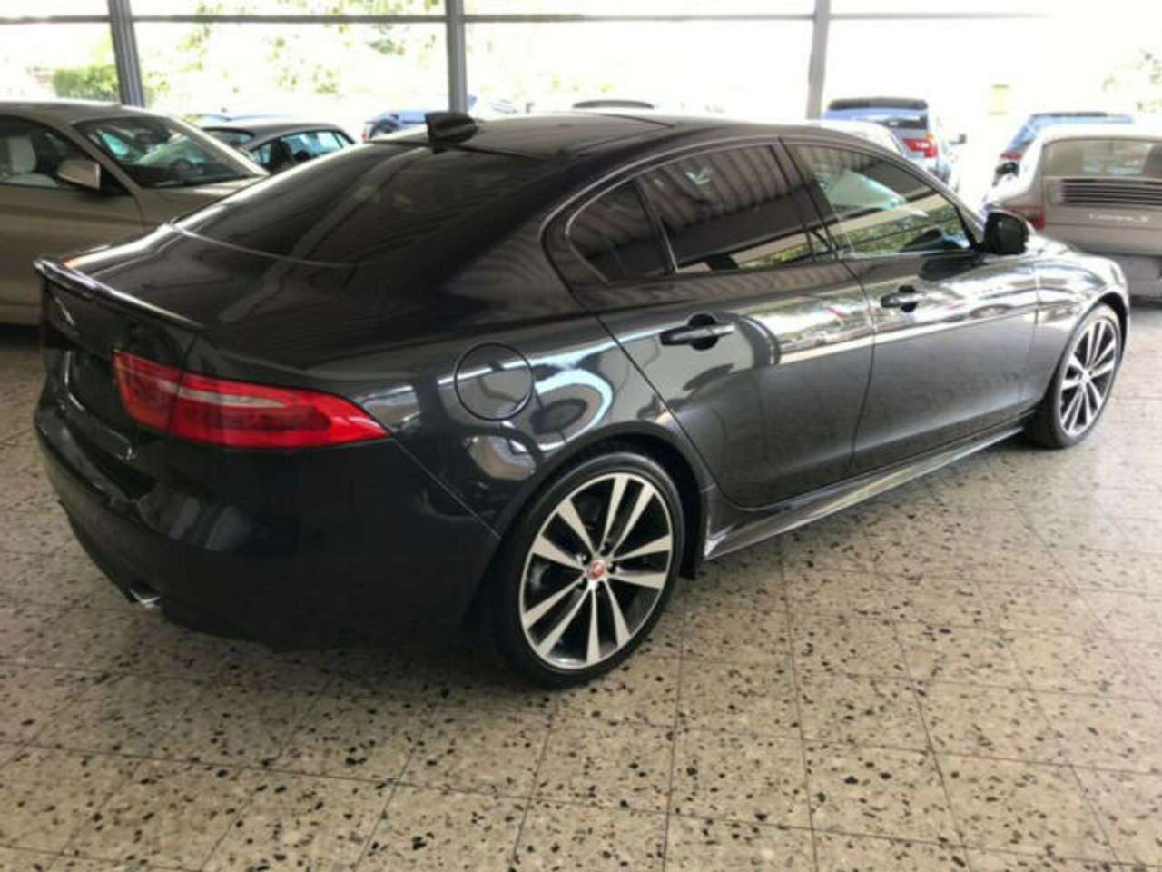 Left hand drive JAGUAR XE 25t 250PS R-Sport