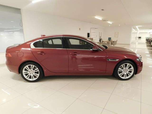 lhd car JAGUAR XE (03/2019) - RED