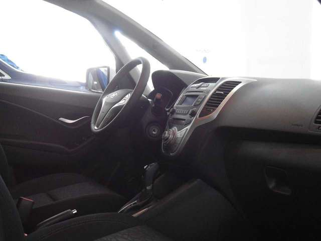 Left hand drive HYUNDAI IX 20 1.6 AT SPANISH REG