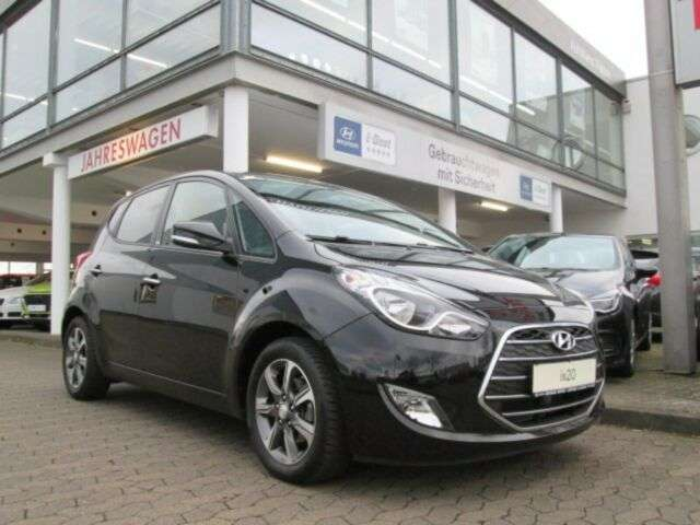 Left hand drive HYUNDAI IX 20 1.6 Passion Plus Blue