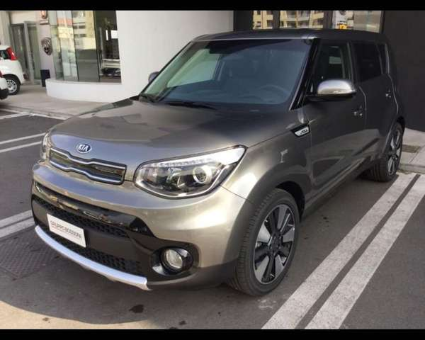 Left hand drive KIA SOUL 1.6 CRDI YOU