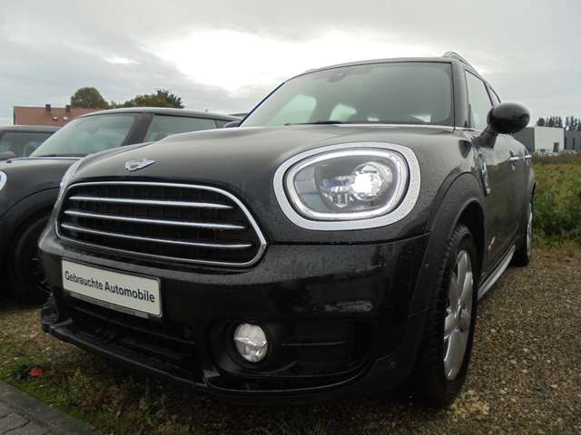 Left hand drive MINI COUNTRYMAN All4 Aut. Chilli