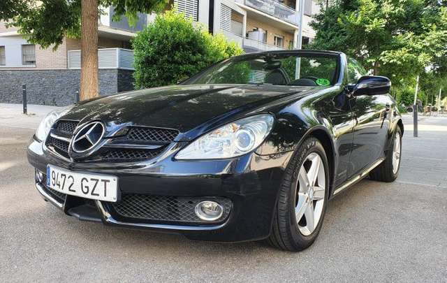 Left hand drive MERCEDES SLK CLASS SLK 200 BE Edition 1 7G Plus Spanish reg