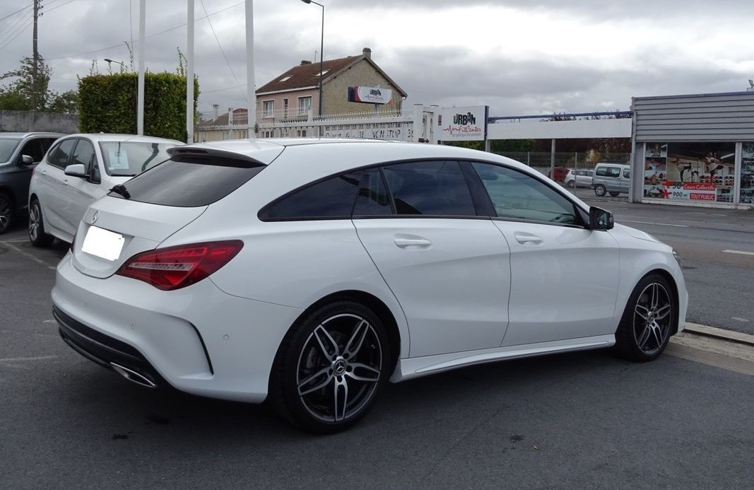 Left hand drive MERCEDES CLA CLASS SHOOTING BRAKE 4MATIC 220D BVA7 TOiT PANO