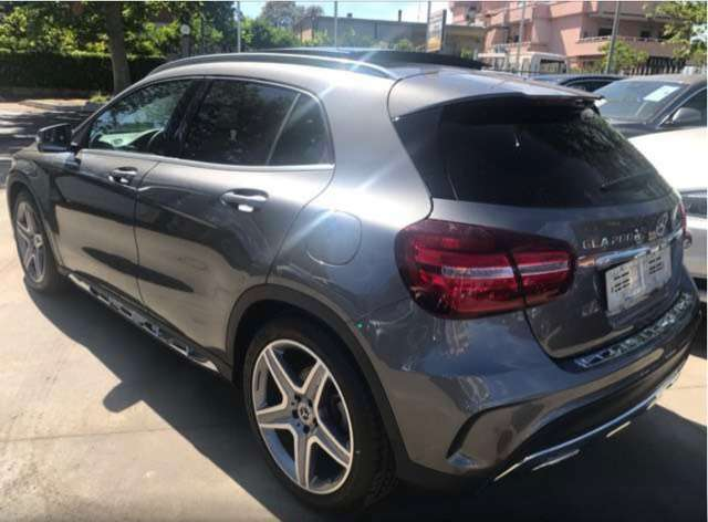 Left hand drive MERCEDES GLA 200 Classe 7G DCT Fascination