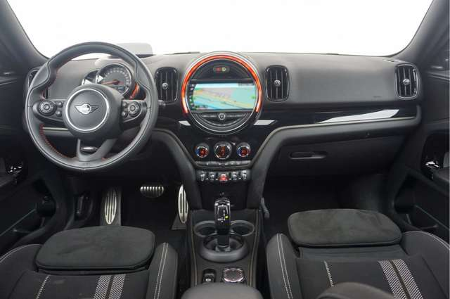 MINI COUNTRYMAN (08/2019) - BLACK