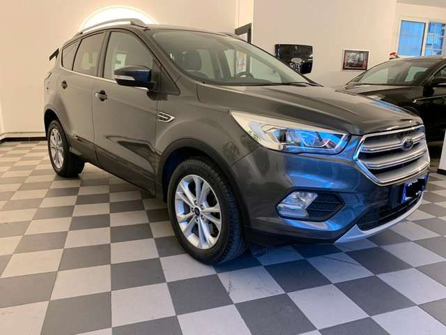 Left hand drive FORD KUGA 1.5 TDCI 120 CV S&S 2WD