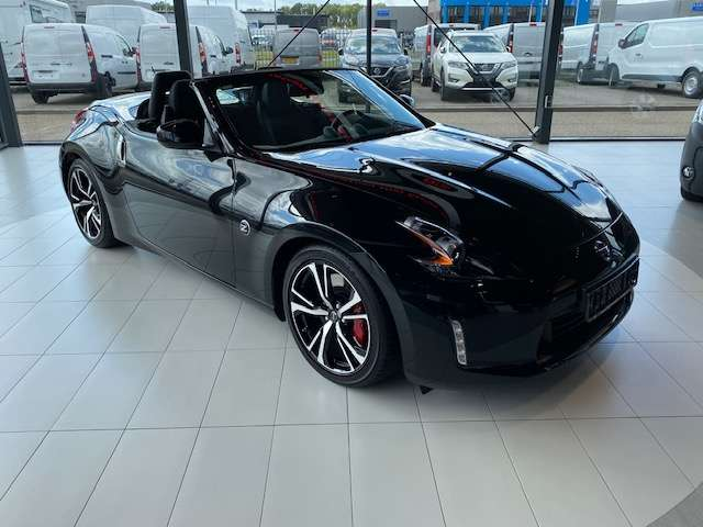 Left hand drive NISSAN 370 Z Roadster 3.7