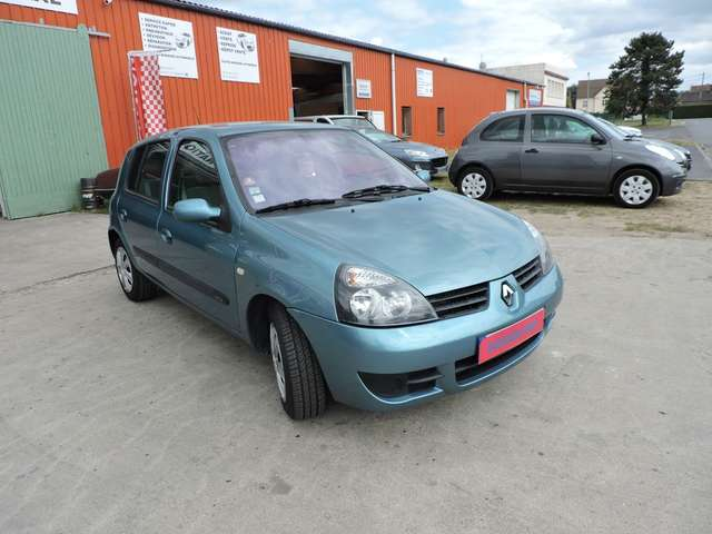 Left hand drive RENAULT CLIO 1.5 dci 80 pack clim