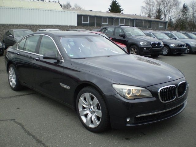 lhd BMW 7 SERIES (09/2008) - Metallic Brilliant Grey - lieu: