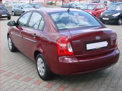 http://www.my-lhd.co.uk/images/voitures/4171b-car-hyundai-accent-2.jpg