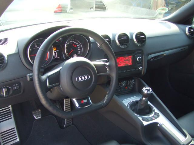 AUDI TT (02/2009) - Metallic Grey - lieu: