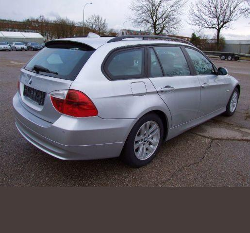 BMW 3 SERIES (11/2007) - Metallic Titan Silver - lieu: