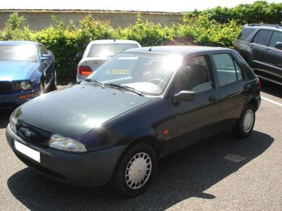 lhd FORD FIESTA (03/1996) - Metallic Green - lieu: