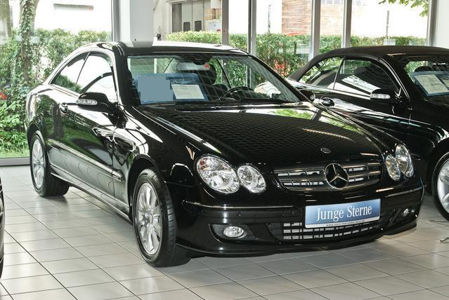 lhd mercedes clk class 10 2008 metallic obsidian black lieu. Black Bedroom Furniture Sets. Home Design Ideas