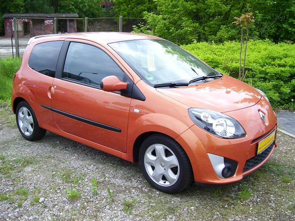 voiture RENAULT TWINGO (01/12/2007) - Metallic Funky Orange - lieu